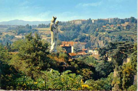 Statue Notre-Dame de Confiance (2) - AVEC LA GRACIEUSE AUTORISATION DE GROUPE EDITOR -